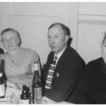 Im Gasthaus Eifler v.l. Anna Holl geb. Jung, Katharina Junker geb. Raab, Josef Junker und Eva Kaspar geb. Specht